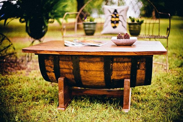 K příjemnému posezení poslouží zahradní nábytek