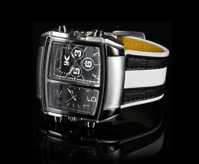 Nadčasové hodinky Samsung Gear S
