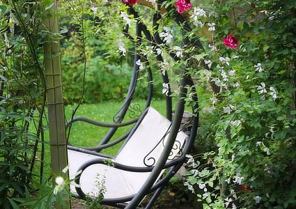 Víte, kde hledat kvalitní zahradní nábytek?