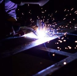 Profesionální velkosériová kovovýroba je doménou společnosti STEELTEC CZ
