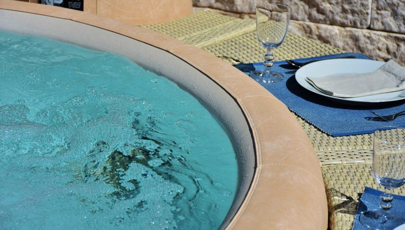 Whirlpool Bad Bath Outdoor