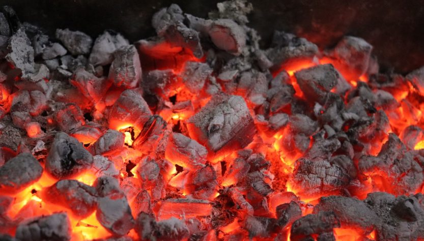 Coal Fire Burning Fireplace Burn  - RoamerDiary / Pixabay