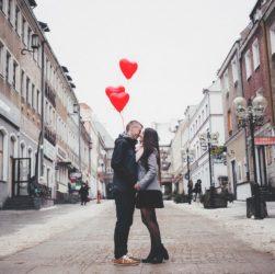 People Man Woman Couple Love  - StockSnap / Pixabay