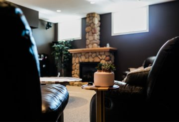 Couch Sofa Chimney Table  - TakeActionOnRadon / Pixabay
