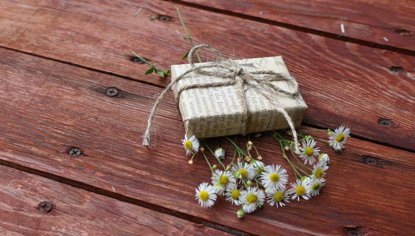 Flowers Chamomile Gift Box Package  - Irenna86 / Pixabay
